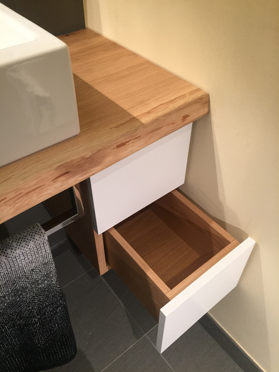 waschtisch mit eichenholz kl becken. Black Bedroom Furniture Sets. Home Design Ideas