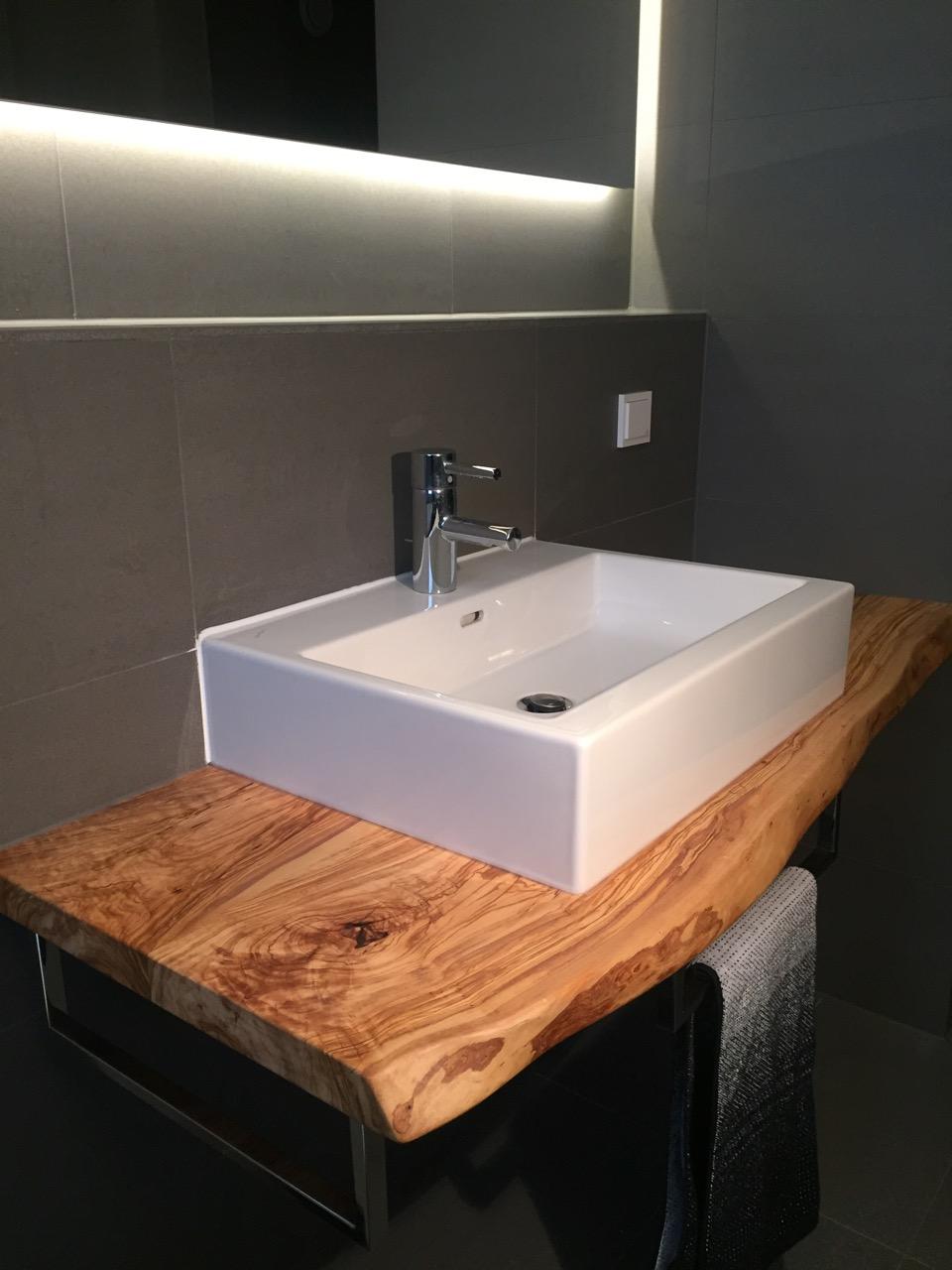 waschtisch mit olivenholz gr becken. Black Bedroom Furniture Sets. Home Design Ideas